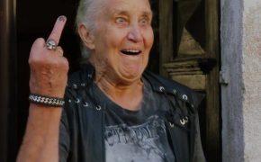 cała wieś tańczy do heavy metalu